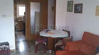 Alquiler Piso en Sant Boi de Llobregat, Centre. 75m2, 3h, 2 dobles. gran ba�o, todo exterior. Carrer joan mir�,25