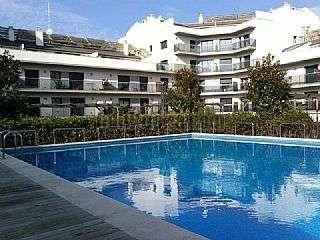 Alquiler Piso  segunda mano en Manresa. Piso seminuevo con piscina y terraza Carrer gaud�,20