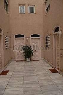 Tr�plex en Sant Joan Desp�, Centro. Triplex situado en zona can negre Carrer torres (les),5