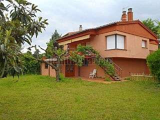 Alquiler Torre en Girona, Palau. Excelent ubicado chalet unifamiliar alquiler/venta Lluis borrassa,20