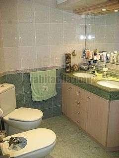 Alquiler Apartamento  con piscina en Salou. Apartament reformat a primera linea de mar Carrer baro de la tournelle (del),10