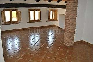 Alquiler Casa adosada en Benissanet. Casa r�stica totalmente reformada Carrer calvari,21