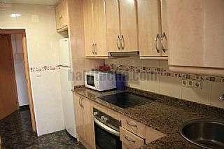 Apartamento en Vilanova i la Geltr�, Prat de Vilanova. Apartamento totalmente reformado menos 50mts playa Gavines,16