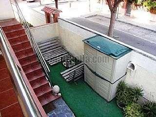 Alquiler Piso en Castelldefels, Playa. Apartamento con jardin y 2 terrazas a 200m. playa Carrer equador, 9