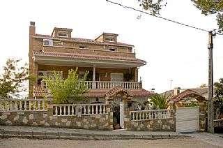 Casa  con jard�n en Gelida. Obra seminueva menos de 10 a�os Urbanizacion martivell